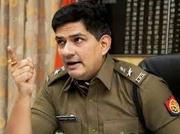 """राजधानी लखनऊ के एसएसपी रहे विवादित आईपीएस अधिकारी यशस्वी यादव को """"कंपल्सरी लीव"""""""